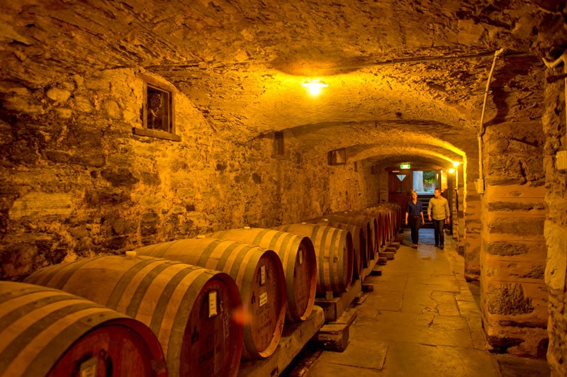 Cellar-with-wine-barrels-21591-